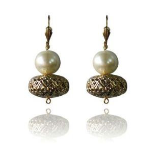 Designer bead earring with pearl and lever back