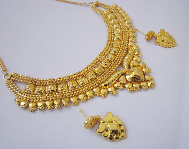 1 gram gold jewellery earrings ~ beautify themselves with earrings