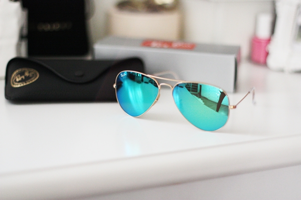 Ray Ban Blue Mirror Aviator