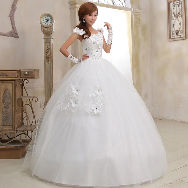 Christian Wedding Gown: Sleeveless Christian Wedding Gown With HandMade Flowers In