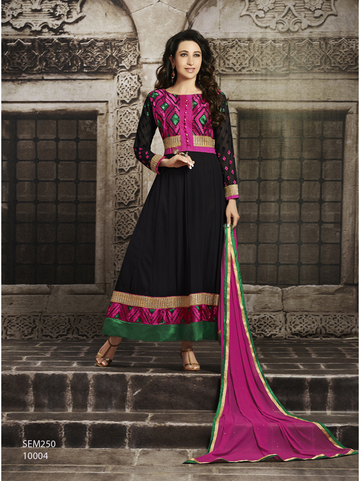 Karishma Kapoor Beautiful Black Embroidered Anarkali Suit