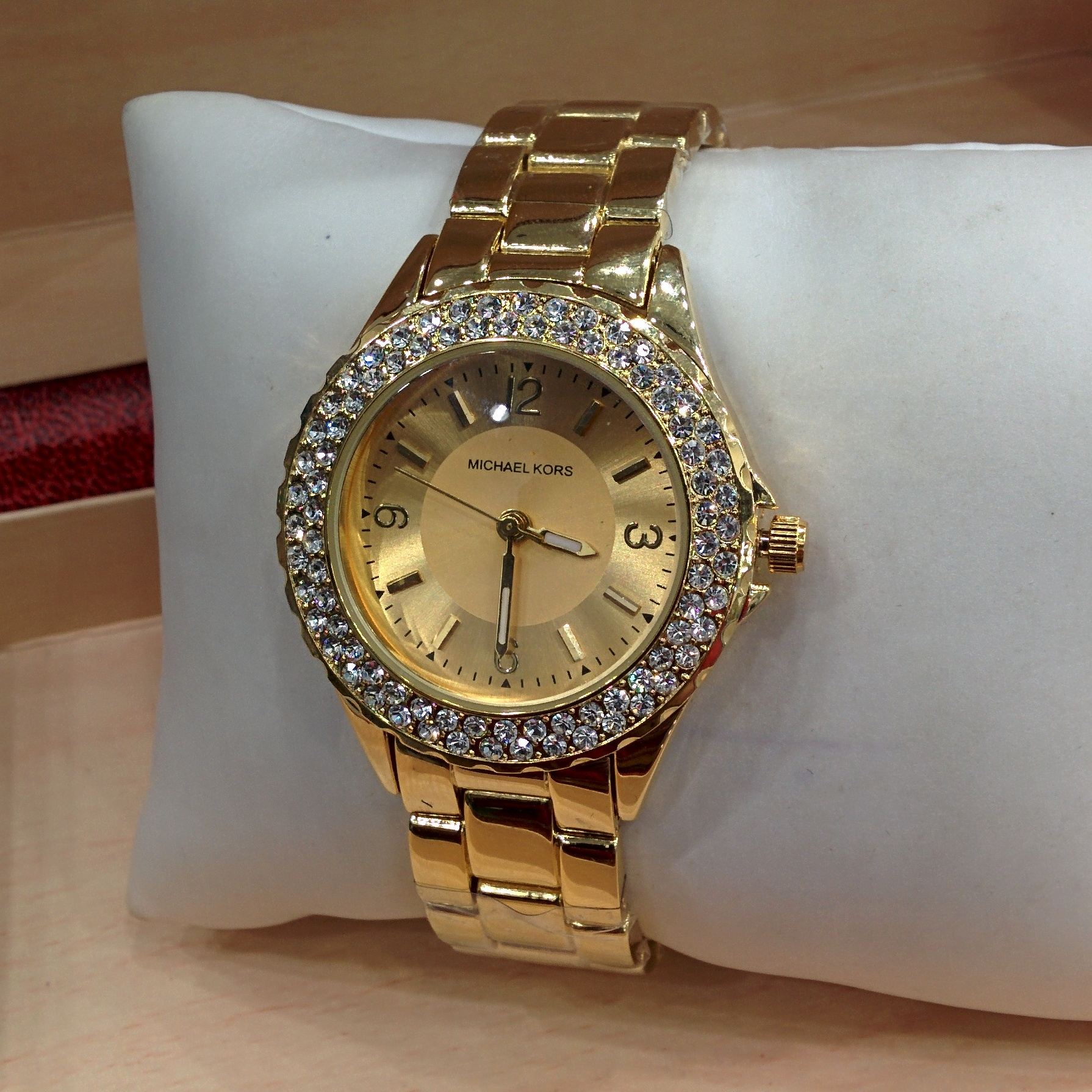 Mk watches feature some great styles including the ladies darci watch range, the parker and the trendy runway series.