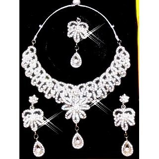 EXCLUSIVE CZ DIAMONDS 4 PIECE NECKLACE SET