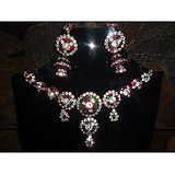 BEAUTIFUL MULTI COLOUR JARKAN STONE NECKLACE WITH JUMKI STYLE EARRING IN MAROON LAC