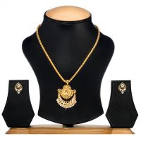Ethnic Jewels Golden Alloy Pendant Set with Earrings (Ey-354)