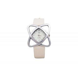 Yaari White Casual Designer Watch For Women