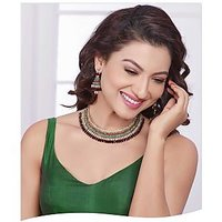 Kriaa Vivaah Exclusive Design Choker Maroon&Green Necklace Set with Maang Tikka