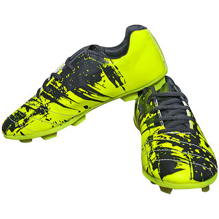 Livia Fighter green Football Stud Shoes