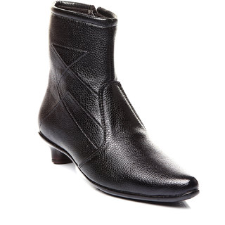 Trilokani Classy Boots