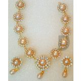Pinki Pearl Necklace Set