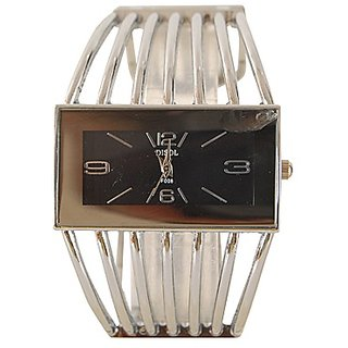 W60 - Fancy And Stylish Bracelet Wrist Watch For Girls And Women