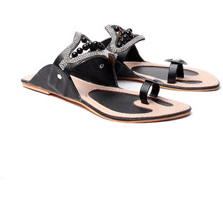 Ruby Womens Black Hilarious Kolhapuri Chappals