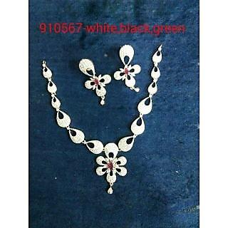 American dimond necklace unique and fabulous