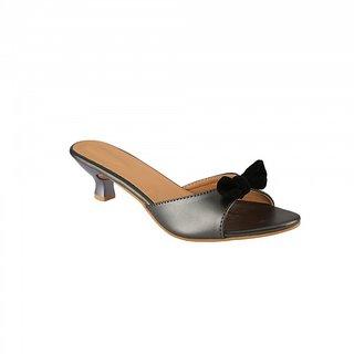 BD Fashion Gray Sandal