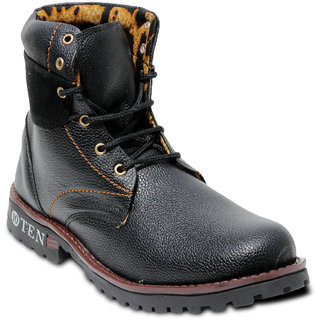 TEN Conspicuous Black Leather Boots