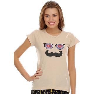 Clovia T-Shirt In Beige
