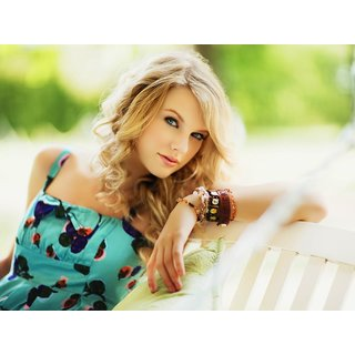 Taylor Swift Real Cute Poster (PERSON00062)