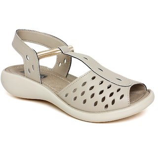 Vendoz Stylish Cream Sandals