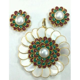 White Red, Green Pachi Pendant With Earrings