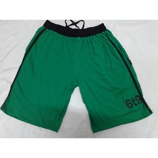 Mens Beramuda In Green Colour With Black Lines