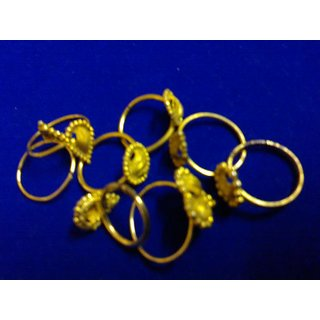 Set Of 8 Rings (golden Polish White Metal)