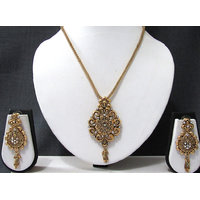 Golden Drop Flower Pendant Chain Necklace Set