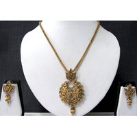 Circle Leaf Pendant Chain Necklace Set