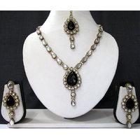 Black Stone Kundan Necklace Set