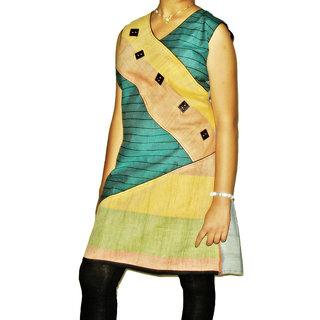 1281 Causal Wear Cotton Green Colour Geomatrical Design Kurti