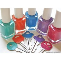 Nailpolish Exclusive in 12 different colors.