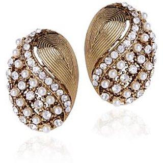 Shining Diva Golden And White Beaded Ear Stud