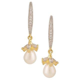 Tyllo  Pearl Earring with American Diamond