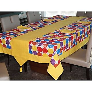 Lushomes Titac Printed 6 Seater Small Table Linen Set