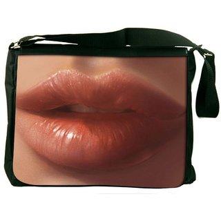 Snoogg Crazy Lips 2565 Digitally Printed Laptop Messenger  Bag