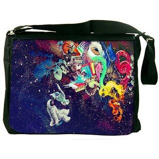 Snoogg Trippy Spaceman Digitally Printed Laptop Messenger  Bag