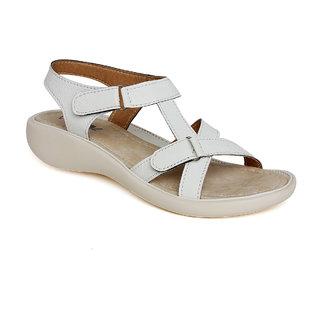 Vendoz Women White Sandals VDFL16WT