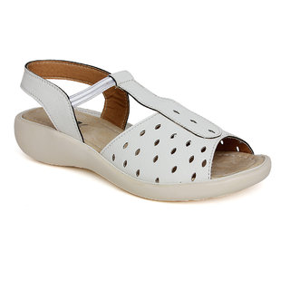 Vendoz Women White Sandals VDFL17WT