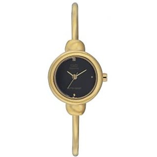 Q&Q Superior Collection Golden Stainless Steel Bangle Type Analog Watch