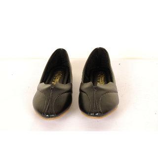Senorita Women's Glossy Bellies(Black)