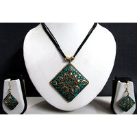 Black Thread Teracotta Pendant Necklace Set