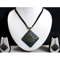 Black Thread Teracotta Square Pendant Necklace Set