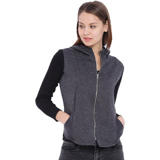 Campus Sutra Grey Solid Cotton Hooded Jacket For Women