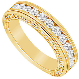 Grand Diamond Wedding Band In 14K Yellow Gold
