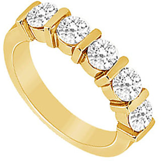Enticing Diamond Wedding Band In 14K Yellow Gold