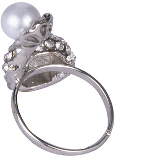 Diva Walk silver stone studded ring-00167