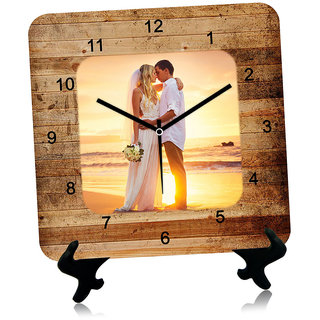Giftcart Wooden Textured Couple Wall Clock