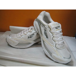 sports shoes for men in white lancer
