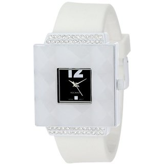 Rocawear Womens RL0126WH1-037 Stylish Bracelet Enamel Bezel Watch