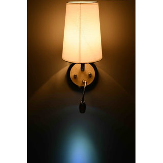 Contemporary wall lamp by Lightspro