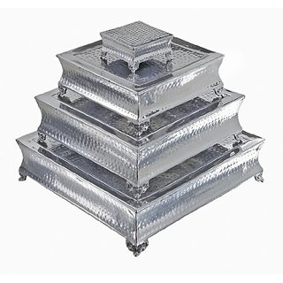 Deco 79 Aluminum Cake Stand, 22 by 18 by 14 by 6-Inch, Set of 4